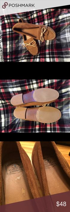 Lucky Brand Moccasins Perfect condition on the outside. Scratches on the inside sole shown in picture from when I was taking the tag off. Worn one or twice. These can we worn with jeans, or dressed up. Lucky Brand Shoes Moccasins