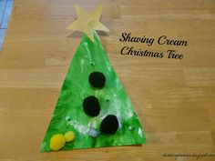 Dabblingmomma: Shaving Cream Christmas Tree