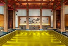 10x de mooiste zwembaden wereldwijd, The gold energy pool | ELLE Decoration
