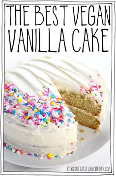 The Best Vegan Vanilla Cake (or Cupcakes) recipe! Sweet buttery vanilla-infused fluffy and moist all at the same time. Easy to make and even easier to eat. No one will even notice it's vegan! Perfect for birthday parties celebrations or holidays. Healthy Vegan Dessert, Coconut Dessert, Vegan Dessert Recipes, Vegan Treats, Egg Free Desserts, Best Vegan Desserts, Vegan Foods, Bolo Vegan, Cake Vegan