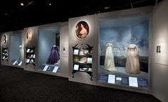 First Ladies exhibit at the Smithsonian American History Museum. The president's wife is called the First Lady and this is a collection of the ball gowns worn by many of the first ladies down through history. Museum Exhibition Design, Exhibition Display, Design Museum, Exhibition Stands, Exhibition Space, American History Museum, British Museum, Museum Displays, Environmental Design