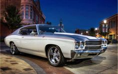 Sweet two tone 1970 Chevelle/Malibu owner unknown.