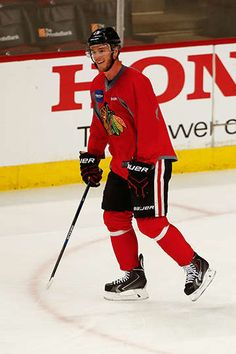 Jonathan Toews prepares for Sunday's game against the Minnesota Wild.