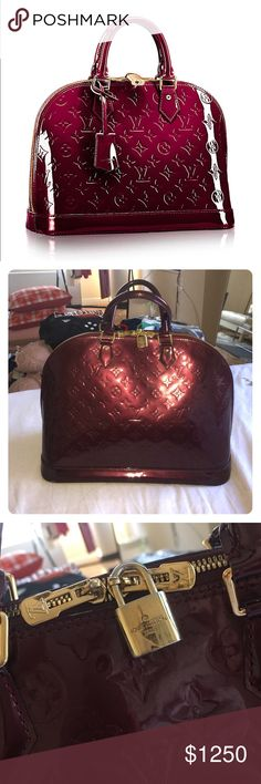 Louis Vuitton Alma PM, large size Great classic Louis Vuitton bag, in amazing condition! Louis Vuitton Bags