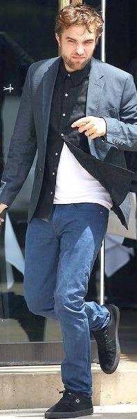 Robert Pattinson (in Australia promoting Breaking Dawn 2, 10/12)