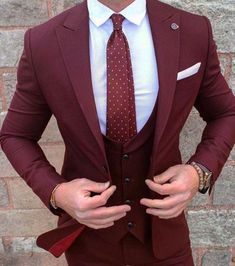 New Burgundy Groom Wear Tuxedos 3 Pieces Wedding Suits for men Best Groomsmen wear(Jacket+Pants+vest) Formal Business Mens Suits. Maroon Suit, Burgundy Suit, Blue Suit Men, Red Suit, Best Suits For Men, Cool Suits, Mens Suits, Suit For Men, Wedding Men