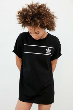 Shop adidas Originals Retro Logo Tee at Urban Outfitters today. We carry all the latest styles, colors and brands for you to choose from right here. Camisa Adidas, Adidas Shirt, Adidas Zx, Fitness Style, Fitness Logo, Fitness Fashion, Athleisure, Logo Tee, Adidas Retro