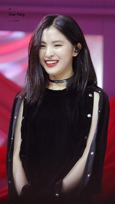 Kpop Girl Groups, Korean Girl Groups, Kpop Girls, Kpop Outfits, Girl Outfits, New Girlfriend, Girl Celebrities, Soyeon, Trap