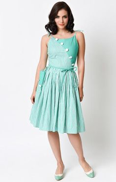 Holy Hamilton! This delectably divine green and white striped day dress is a vintage frock fresh from Unique Vintage in a fabulous colorblocked effect! Bursting