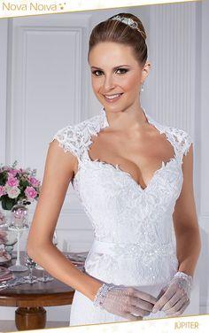 Western Wedding Dresses, Wedding Dresses With Straps, Wedding Gowns, Bridesmaid Dresses, Amelia Sposa Wedding Dress, Beautiful Dresses, Beautiful Women, Bridal Boutique, Lace Dress