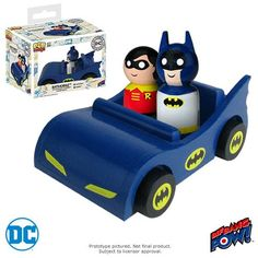 """Batmobile with Classic Batman Robin   O Batmobile com Classic Batman e Robin Pin Mate o conjunto de figuras de madeira é composto por um veículo de madeira de estilo retro e duas figuras de madeira de escala de 2 """" numeradas individualmente do Bif Bang Pow!Série DC Comics Pin Mate  com obras de arte altamente detalhadas de cores vivas de 360 graus. Batman"""
