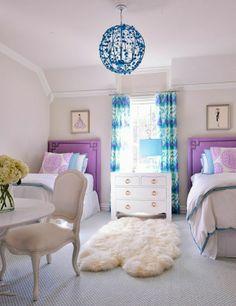 Jugendzimmer Gestalten U2013 100 Faszinierende Ideen   Mädchenzimmer Gestalten  2 Betten Teppich Stuhl