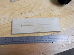 Besides the blade, the most important part on a table saw is the fence. If yours is beat up or you just want a new one, here's how you can build your own. Woodworking Jig Plans, Woodworking Projects Diy, Woodworking Tools, Diy Projects, Diy Table Saw Fence, Make A Table, Power Hand Tools, Wooden Fence, Wooden Tables