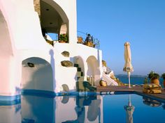 Esperas Hotel has become synonymous to Santorini, offering unique views of the sea and the sunset, relaxing days and peaceful nights to all its visitors. Santorini Accommodation, Santorini Hotels, Santorini Island, Santorini Greece, The Places Youll Go, Places To Visit, Best Sunset, Rock Pools, Relaxing Day