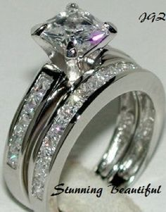 Classic Beauty *  2.0ct Princess cut Bridal set. Sz 7 * Exclusive New  Jewelry *