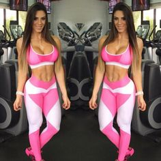 Female Form  #StrongIsBeautiful  #Motivation  #WomenLift2 Carol Saraiva