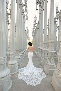 Best Wedding Dresses Ball Gown How much does a Lazaro wedding dress cost? Lazaro Wedding Dress, Wedding Dress Cost, Sexy Wedding Dresses, Wedding Gowns, Wedding Hijab, Ball Dresses, Ball Gowns, Fit And Flair, Insta Look