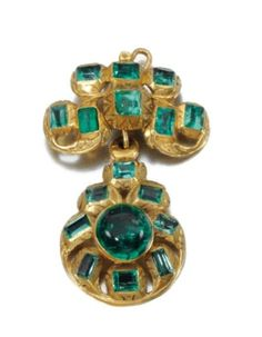 // Gold  and emerald pendant, 18th century. Photo Sotheby's