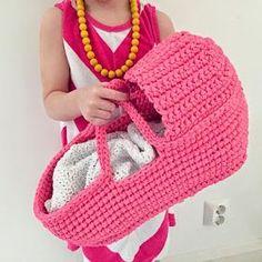 Crochet Doll Toys Free Patterns: Crochet Dolls, Crochet Toys for Girls, Amigurumi Dolls Free Patterns, Crochet Doll Carrier Love Crochet, Crochet For Kids, Knit Crochet, Single Crochet, Easy Crochet, Crochet Doll Clothes, Crochet Dolls, Crocheted Toys, Doll Carrier