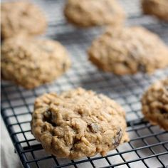 Perfectly soft and chewy easy oatmeal raisin cookie recipe with only 6 ingredients! Easy to put together and the recipe makes the best oatmeal cookies!