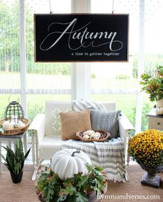 Today, I'm so excited to be taking part in a Fall Porch Blog Hop hosted neutral fall decor, farmhouse style, outdoor living spaces