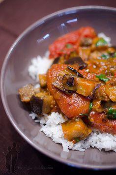 Curry d'aubergines rôties à la cardamome, à la coriandre et à la menthe | Piratage Culinaire