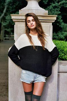 BDG Boyfriend Sweater at Urban Outfitters Taylor Marie Hill, Carolina Herrera, Giorgio Armani, Balmain, Urban Outfitters, Boyfriend Sweater, How To Pose, Fashion Outfits, Womens Fashion