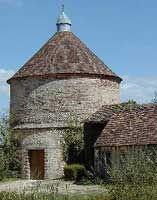 commanderie templière : le pigeonnier d'Arville - Loir et Cher-