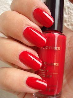 #yvescrocher #nailpolish #red