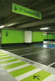 Car park column signage ion orchard wayfinding and for Parking orly garage jas