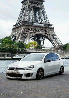 Volkswagen Golf IV in Paris Volkswagen Golf Mk1, Ferdinand Porsche, Vw Camper, Vw Cars, Porsche 356, Car In The World, Car Pictures, Dream Cars, Super Cars