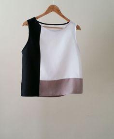 Color block Linen blouse, linen tunic tops, white linen tops , color block… - All About Blouse Patterns, Clothing Patterns, Blouse Designs, Blouse En Lin, Sewing Blouses, Linen Tunic, Cotton Linen, Linen Dresses, Mode Style