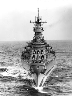 A bow view of the battleship Wisconsin (BB-64) underway during sea trials. (NHHC: DN-SN-89-01643)