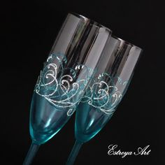 Hey, I found this really awesome Etsy listing at https://www.etsy.com/listing/492159982/hand-painted-flutes-wedding-glasses