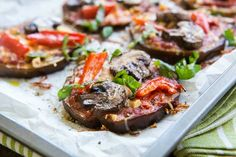 Check out 29 10-Ingredient Gluten-Free Paleo Diet Recipes | 10-Minute Paleo Pizza by Homemade Recipes at http://homemaderecipes.com/healthy/gluten-free-paleo-diet-recipes/