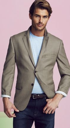 Fashion tips for clueless men over 40 50 60 Guys in London are the best dressed men in the world. Parisians are nice too. Style Casual, Casual Outfits, Men's Outfits, Men's Style, Jacey Elthalion, Style Costume Homme, Men Over 40, Mens Fashion Blazer, Latest Mens Fashion