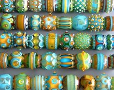 Love these lampwork beads. Glass Jewelry, Beaded Jewelry, Glass Beads, Jewellery, Polymer Clay Beads, Lampwork Beads, Handmade Beads, Beading Tutorials, How To Make Beads
