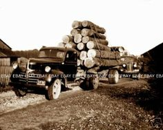 Old 1944 Ohio Log Logging Truck