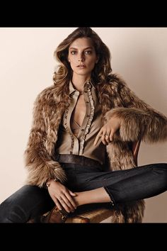 Daria Werbowy Models Luxe Urban Clothes