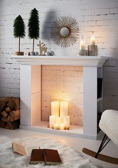 With this homemade pretty decorative fireplace cozy winter With this homemade pretty decorative fireplace cozy winter Kyndall Welch Panorama Fireplace KWF Panorama Fireplace 038 Diy Fireplace nbsp hellip Faux Fireplace Mantels, Fireplace Design, Decorative Fireplace, Faux Foyer, Home Projects, Home Crafts, Living Room Decor Fireplace, Living Room Inspiration, Style At Home