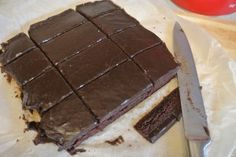 A super quick and easy chocolate traybake recipe with frosting - tastes divine! Chocolate Covered Fruit, I Love Chocolate, Chocolate Ice Cream, Chocolate Frosting, Tray Bake Recipes, Baking Recipes, Yummy Recipes, Chocolate Traybake, Yummy Treats