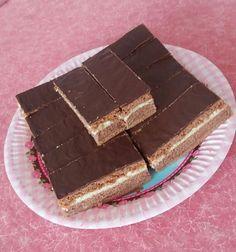 Rengeteg módon el lehet készíteni, de nekünk ez a recept vált be a leginkább. Nagyon finom és könnyen elkészíthető. A családi összejövetelek kedvence! Tiramisu, Cakes, Ethnic Recipes, Sweet, Gifts, Food, Candy, Presents, Cake Makers