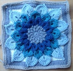 The Crocodile Flower ~ free pattern ᛡ (Gorgeous colors)