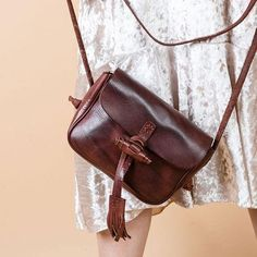 Overview:   Design: Genuine Leather vintage handmade shoulder bag crossbody bag handbag  In Stock:  3-5 days to process orders  Include: Only Shoulder Bag Custom: None Material: Cowhide Measures: 20cm × 17cm × 8cm Weight:    0.78kg (Package 1kg) Shipping:    Post    $19 (7-12 Days Arrive)                    Express $3