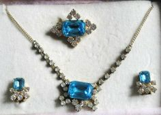 collier broche strass turquoises