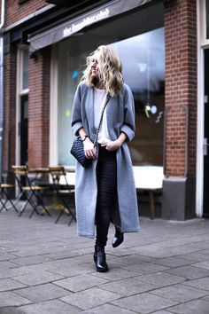 This long oversized cardigan makes a clean, basic and minimalistic look - Fashionhoax - Fashionchick