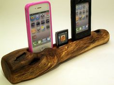 Wooden iPod iPhone dock!! =)
