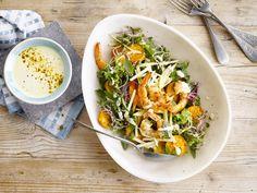 Alpro - Salade met scampi's en frisse currydressing - Geef je salade een leuke twist met een currydressing op basis van Alpro soya alternatief voor yoghur
