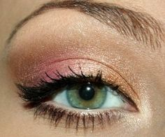 Idée maquillage : Makeup #Green #Eyes Maquillage #Vert #Yeux #Soirée #Journée #Night #Day gold pink