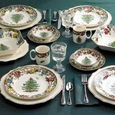 Amazon.com: Spode Woodland Grove Christmas Tree Dinner Plates, Set of 4: Kitchen & Dining